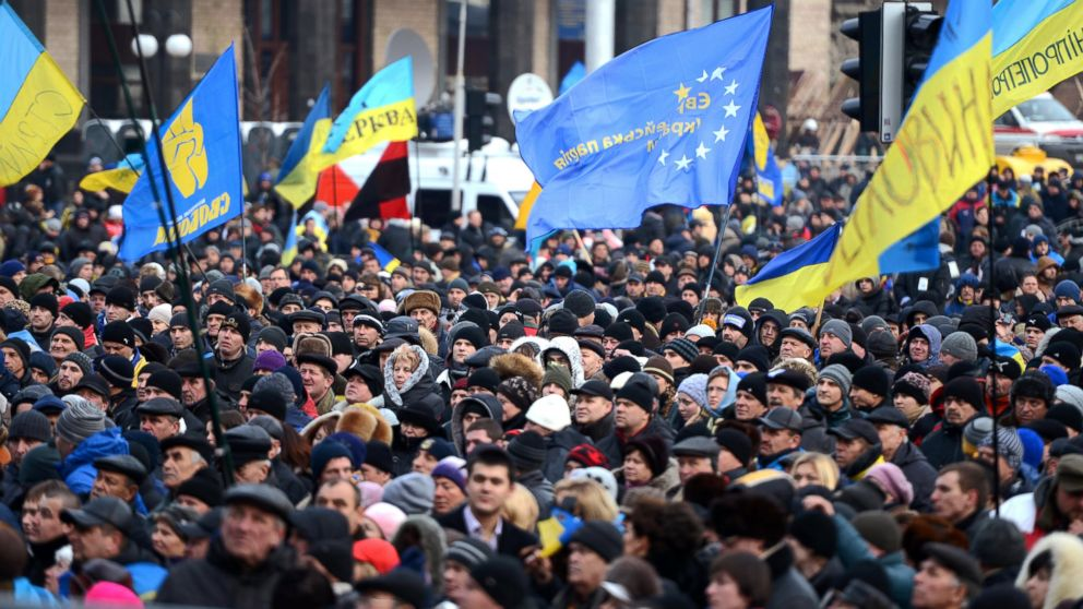 gty_ukraine_protests_sk_131204_16x9_992